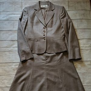 TAHARI two-piece brown skirt suit